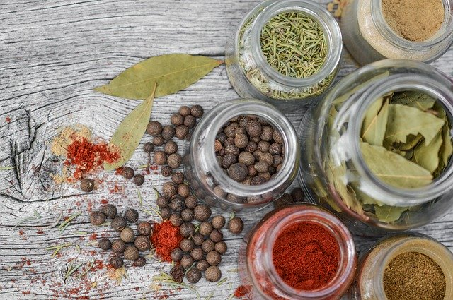 Best and Must have Herbs and Spices List for your Kitchen