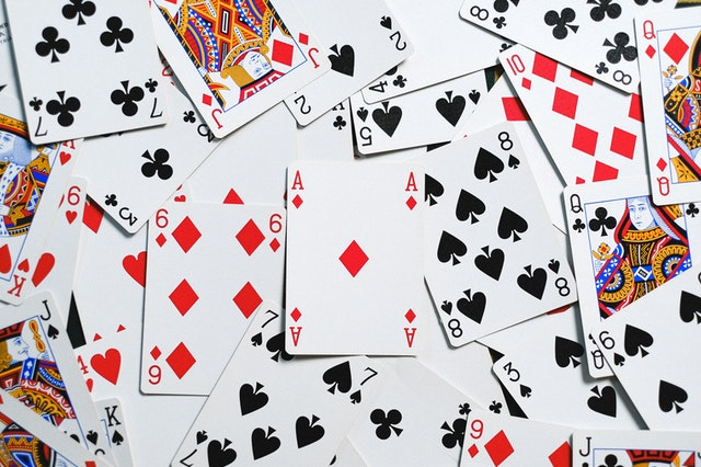 What Makes Online Casino Games So Famous?