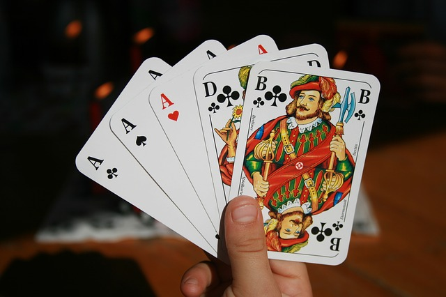 An Ultimate Guide To Know About Poker Online